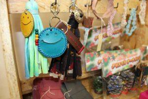 人気のニコちゃん革工芸